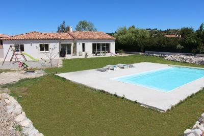 Maison Marignane &bull; <span class='offer-area-number'>162</span> m² environ &bull; <span class='offer-rooms-number'>5</span> pièces