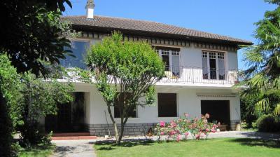 Maison Bizanos &bull; <span class='offer-area-number'>170</span> m² environ &bull; <span class='offer-rooms-number'>6</span> pièces