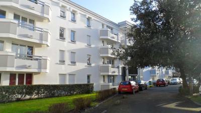 Appartement Le Bouscat &bull; <span class='offer-area-number'>48</span> m² environ &bull; <span class='offer-rooms-number'>2</span> pièces