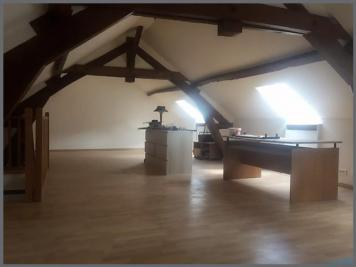 Maison Angicourt &bull; <span class='offer-area-number'>94</span> m² environ &bull; <span class='offer-rooms-number'>4</span> pièces