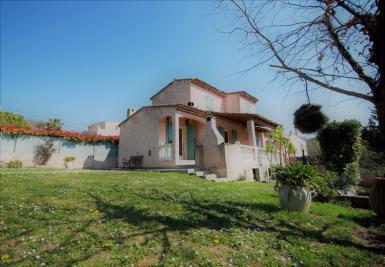 Maison La Roquette sur Siagne &bull; <span class='offer-area-number'>148</span> m² environ &bull; <span class='offer-rooms-number'>4</span> pièces