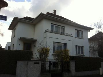 Maison Strasbourg &bull; <span class='offer-area-number'>195</span> m² environ &bull; <span class='offer-rooms-number'>7</span> pièces