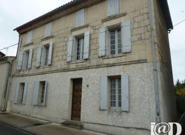 Maison Guitres &bull; <span class='offer-area-number'>180</span> m² environ &bull; <span class='offer-rooms-number'>5</span> pièces