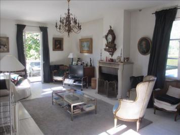 Maison Talloires &bull; <span class='offer-area-number'>212</span> m² environ &bull; <span class='offer-rooms-number'>9</span> pièces