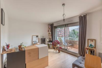 Appartement Paris 10 &bull; <span class='offer-area-number'>29</span> m² environ &bull; <span class='offer-rooms-number'>1</span> pièce