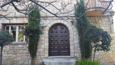Maison Juan les Pins &bull; <span class='offer-area-number'>180</span> m² environ &bull; <span class='offer-rooms-number'>6</span> pièces
