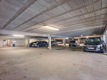 Parking Orleans &bull; <span class='offer-area-number'>12</span> m² environ