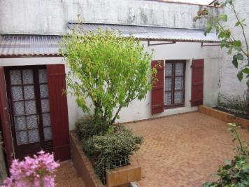 Maison Vouille les Marais &bull; <span class='offer-area-number'>108</span> m² environ &bull; <span class='offer-rooms-number'>6</span> pièces