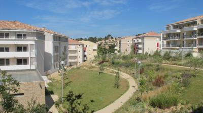 Appartement Plan de Cuques &bull; <span class='offer-area-number'>61</span> m² environ &bull; <span class='offer-rooms-number'>3</span> pièces