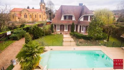Maison Lozanne &bull; <span class='offer-area-number'>180</span> m² environ &bull; <span class='offer-rooms-number'>6</span> pièces