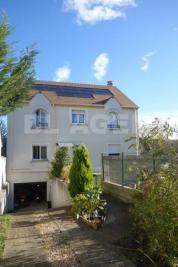 Maison Argenteuil &bull; <span class='offer-area-number'>162</span> m² environ &bull; <span class='offer-rooms-number'>7</span> pièces