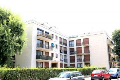 Appartement Chatenay Malabry &bull; <span class='offer-area-number'>47</span> m² environ &bull; <span class='offer-rooms-number'>2</span> pièces