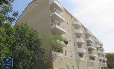 Appartement Toulon &bull; <span class='offer-area-number'>32</span> m² environ &bull; <span class='offer-rooms-number'>1</span> pièce