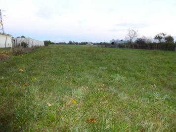 Terrain Hagetmau &bull; <span class='offer-area-number'>3 700</span> m² environ