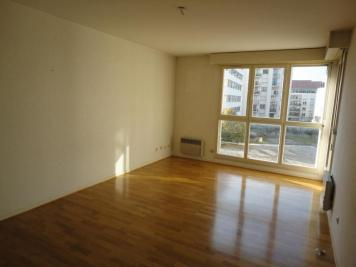 Appartement Grenoble &bull; <span class='offer-area-number'>47</span> m² environ &bull; <span class='offer-rooms-number'>2</span> pièces