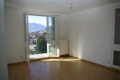 Appartement St Martin d Heres &bull; <span class='offer-area-number'>67</span> m² environ &bull; <span class='offer-rooms-number'>3</span> pièces