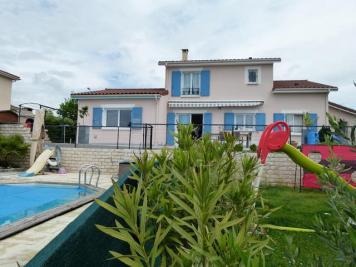 Maison L Isle d Abeau &bull; <span class='offer-area-number'>142</span> m² environ &bull; <span class='offer-rooms-number'>6</span> pièces