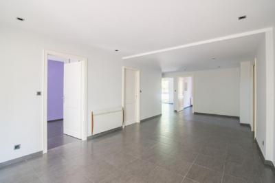 Appartement Strasbourg &bull; <span class='offer-area-number'>86</span> m² environ &bull; <span class='offer-rooms-number'>4</span> pièces