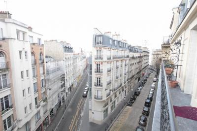 Appartement Paris 14 &bull; <span class='offer-area-number'>60</span> m² environ &bull; <span class='offer-rooms-number'>4</span> pièces