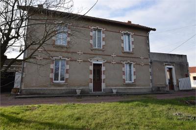 Maison Argenton l Eglise &bull; <span class='offer-area-number'>103</span> m² environ &bull; <span class='offer-rooms-number'>6</span> pièces