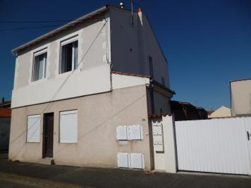 Appartement La Rochelle &bull; <span class='offer-area-number'>18</span> m² environ &bull; <span class='offer-rooms-number'>1</span> pièce