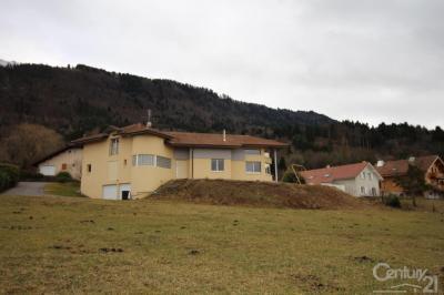 Maison Cervens &bull; <span class='offer-area-number'>220</span> m² environ &bull; <span class='offer-rooms-number'>7</span> pièces
