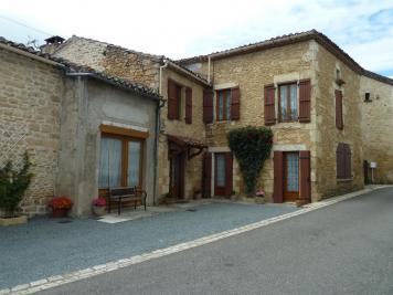 Maison St Front sur Lemance &bull; <span class='offer-area-number'>140</span> m² environ &bull; <span class='offer-rooms-number'>9</span> pièces