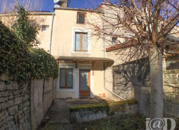 Maison Bourbonne les Bains &bull; <span class='offer-area-number'>65</span> m² environ &bull; <span class='offer-rooms-number'>3</span> pièces
