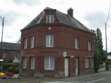 Maison Bourg Achard &bull; <span class='offer-area-number'>140</span> m² environ &bull; <span class='offer-rooms-number'>8</span> pièces