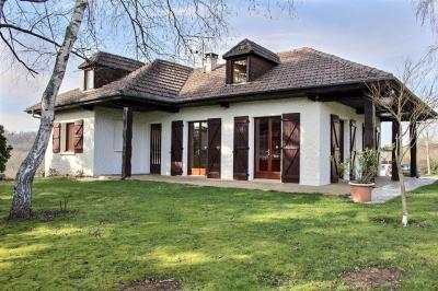 Maison St Castin &bull; <span class='offer-area-number'>135</span> m² environ &bull; <span class='offer-rooms-number'>6</span> pièces