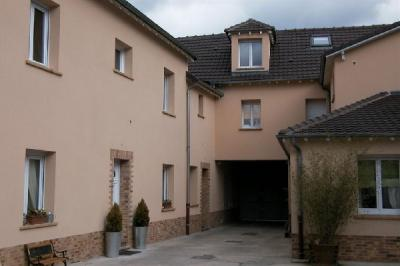 Appartement Le Plessis Bouchard &bull; <span class='offer-area-number'>102</span> m² environ &bull; <span class='offer-rooms-number'>5</span> pièces