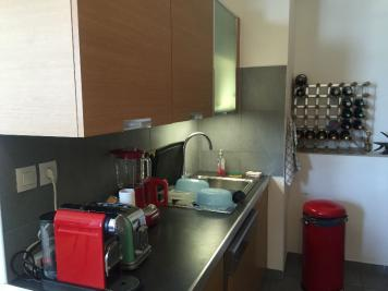 Appartement Marseille 02 &bull; <span class='offer-area-number'>92</span> m² environ &bull; <span class='offer-rooms-number'>3</span> pièces