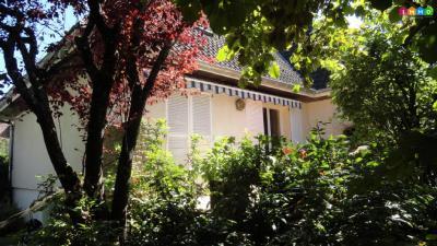Maison Fontaine les Dijon &bull; <span class='offer-area-number'>190</span> m² environ &bull; <span class='offer-rooms-number'>8</span> pièces