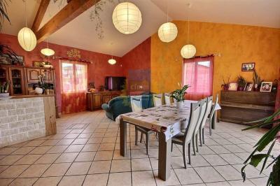 Maison Mizerieux &bull; <span class='offer-area-number'>158</span> m² environ &bull; <span class='offer-rooms-number'>4</span> pièces