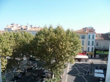 Appartement Hyeres &bull; <span class='offer-area-number'>67</span> m² environ &bull; <span class='offer-rooms-number'>3</span> pièces