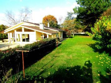 Maison St Sauveur &bull; <span class='offer-area-number'>185</span> m² environ &bull; <span class='offer-rooms-number'>4</span> pièces