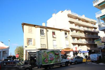 Appartement Antibes &bull; <span class='offer-area-number'>23</span> m² environ &bull; <span class='offer-rooms-number'>1</span> pièce