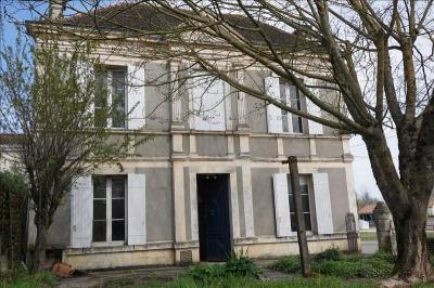 Maison La Lande de Fronsac &bull; <span class='offer-area-number'>124</span> m² environ &bull; <span class='offer-rooms-number'>4</span> pièces