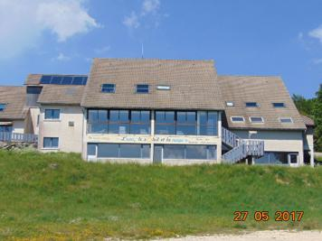 Maison Virieu le Petit &bull; <span class='offer-area-number'>350</span> m² environ
