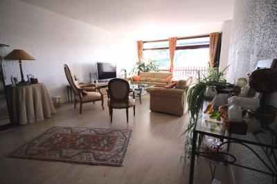 Appartement Villenave D Ornon &bull; <span class='offer-area-number'>115</span> m² environ &bull; <span class='offer-rooms-number'>5</span> pièces