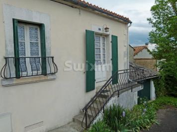 Maison St Amant de Boixe &bull; <span class='offer-area-number'>46</span> m² environ &bull; <span class='offer-rooms-number'>3</span> pièces