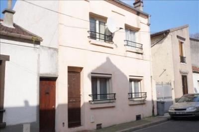 Maison St Denis &bull; <span class='offer-area-number'>85</span> m² environ &bull; <span class='offer-rooms-number'>4</span> pièces