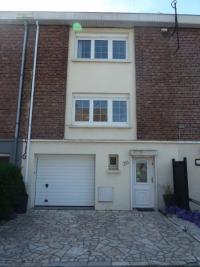 Maison Estaires &bull; <span class='offer-area-number'>80</span> m² environ &bull; <span class='offer-rooms-number'>5</span> pièces
