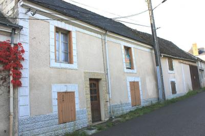 Maison Noyant &bull; <span class='offer-area-number'>160</span> m² environ &bull; <span class='offer-rooms-number'>10</span> pièces