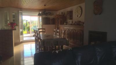 Maison Le Quesnoy &bull; <span class='offer-area-number'>141</span> m² environ &bull; <span class='offer-rooms-number'>10</span> pièces