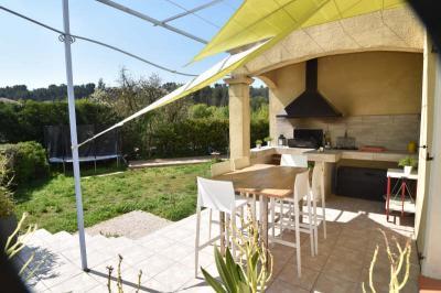 Maison La Bouilladisse &bull; <span class='offer-area-number'>180</span> m² environ &bull; <span class='offer-rooms-number'>7</span> pièces