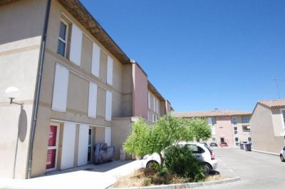 Appartement St Genies de Malgoires &bull; <span class='offer-area-number'>70</span> m² environ &bull; <span class='offer-rooms-number'>3</span> pièces