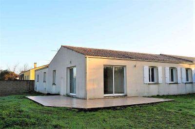 Maison Clavette &bull; <span class='offer-area-number'>125</span> m² environ &bull; <span class='offer-rooms-number'>4</span> pièces
