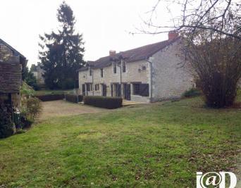Maison La Celle St Avant &bull; <span class='offer-area-number'>230</span> m² environ &bull; <span class='offer-rooms-number'>9</span> pièces