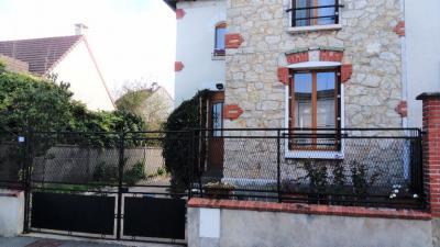 Maison Etampes &bull; <span class='offer-area-number'>55</span> m² environ &bull; <span class='offer-rooms-number'>3</span> pièces